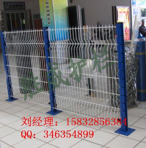 长期现货供应双边丝折弯护栏网